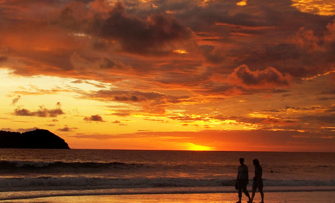 costa-rica-romantic-getaway-manuel-antonio-sunset-660x400